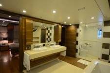 Superyacht My Steel Bathroom