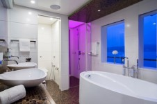 Superyacht NASSIMA -  Master Cabin Bathroom