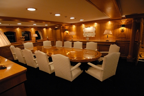 Superyacht NERO - Formal Dining