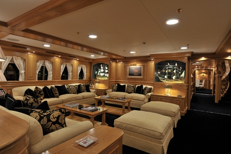 Superyacht NERO - Main Salon