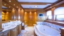 Superyacht NERO - Owners Ensuite