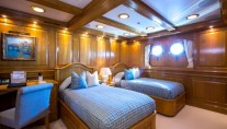 Superyacht NERO - Twin Cabin