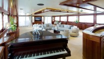 Superyacht OMEGA - Main salon