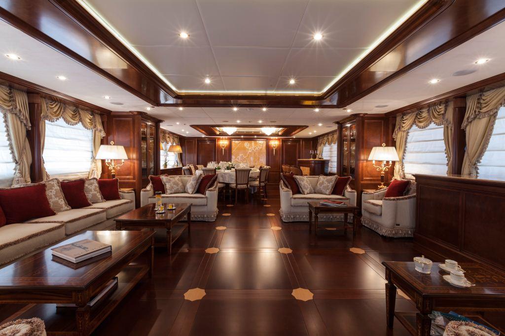 Superyacht PRIDE -  Main Salon