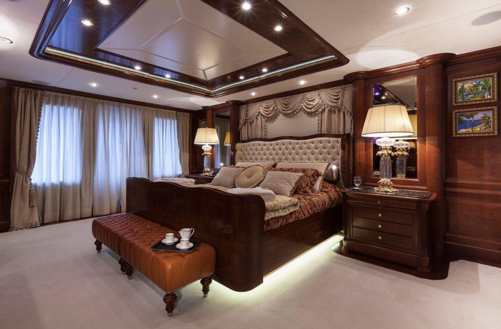 Superyacht PRIDE -  Master Cabin