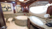 Superyacht REBEL - Master bath