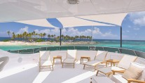Superyacht REBEL - Sundeck chaise lounges