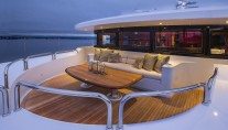 Superyacht SILVER LINING - Portuguese deck
