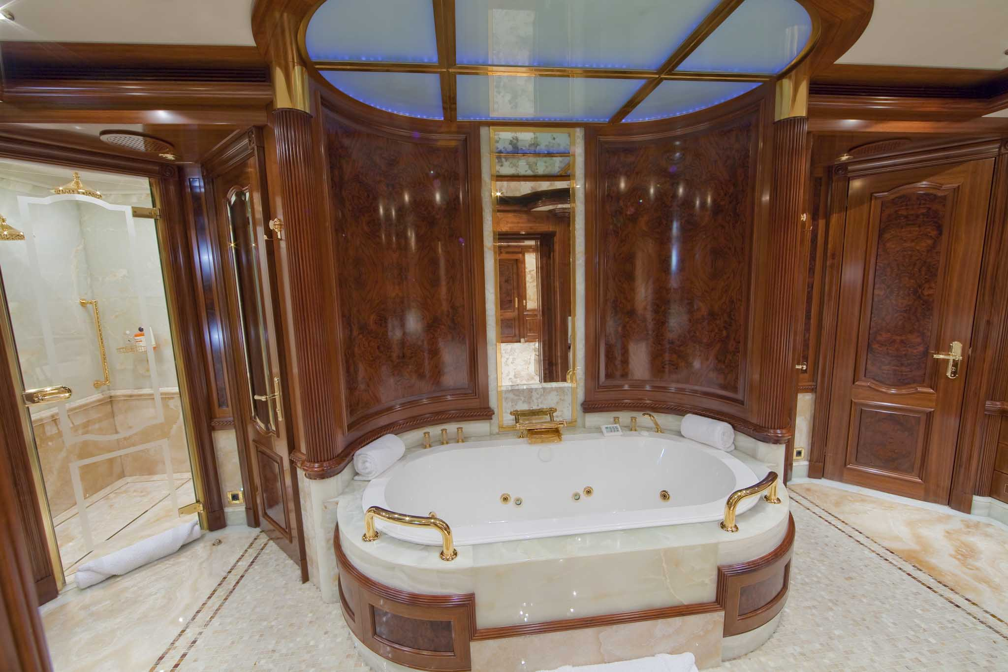 Bathroom image gallery luxury yacht browser by charterworld superyacht charter Small yacht bathroom design