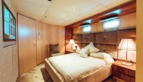TANGO - Double cabin on port