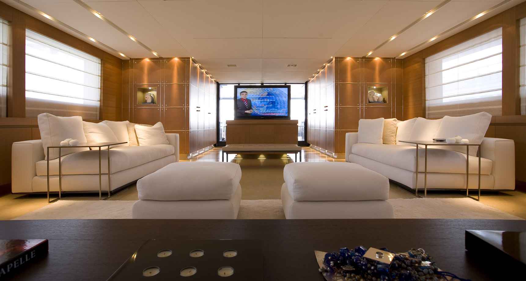 Seakid Tatiana Per Sempre Salon Tv Luxury Yacht