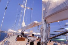 THIS IS US superyacht - Deck
