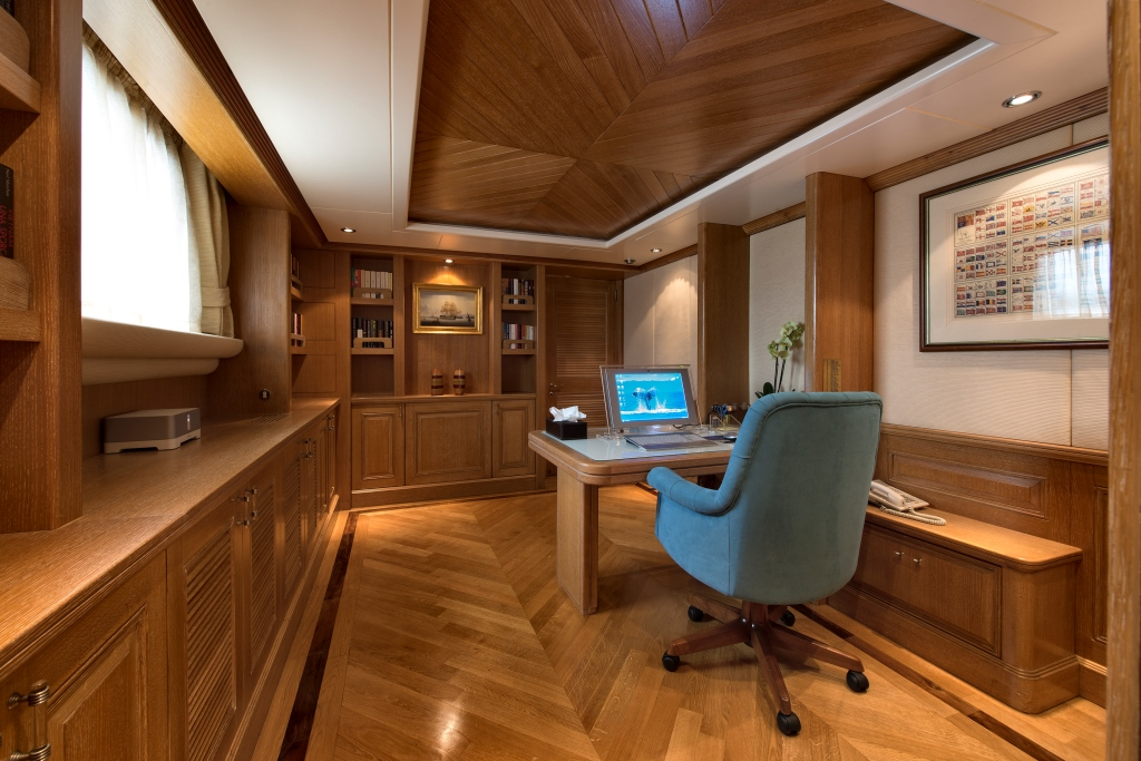 Office Image Gallery Tommy Master Cabin Office