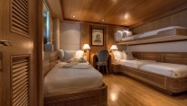 TOMMY - Twin guest cabin with Pullman