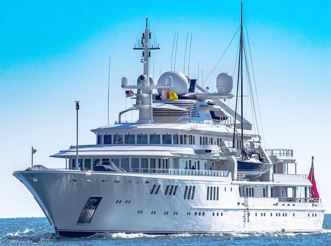 Yacht TATOOSH, a Nobis...