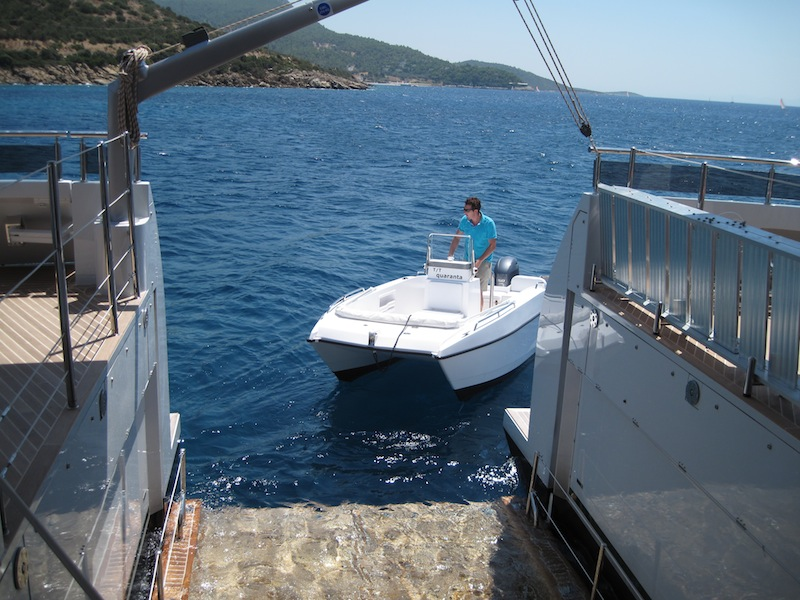 Tender Lifts For Boats : Quaranta yacht charter details curvelle charterworld