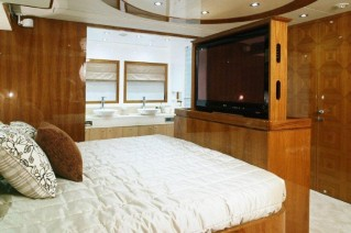 The-luxury-yacht-AquaCat-80-Interior