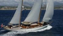 Tiziana Under Sail