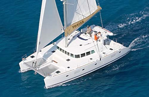 Sailing Catamaran Tonina