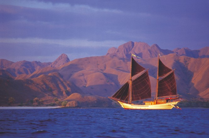 Traditional Sailing Yacht SILOLONA.png