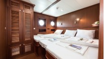Twin or tripple cabin - CHRONOS charter yacht