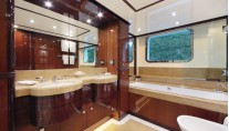 VICA superyacht - Bathroom - Photo by Thierry Ameller