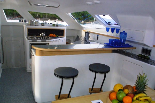 Voyage 440 catamaran yacht charter details caribbean for Salon voyage