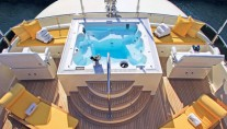 Waku Yacht - Exterior from above