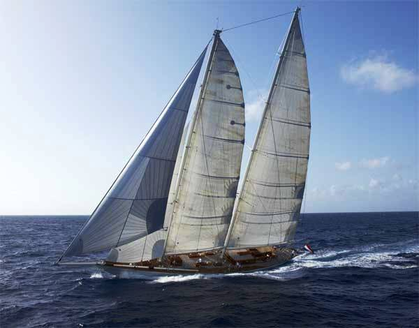 Sailing yacht WINDROSE