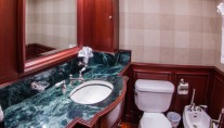 Yacht  REFLECTIONS - Guest ensuite