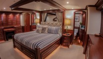 Yacht  REFLECTIONS - Master stateroom