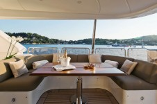 Yacht AFRICAN QUEEN -  Bridge Deck Seating