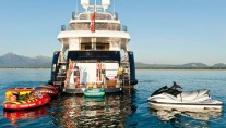 Yacht AFRICAN QUEEN -  Toys and Swim Platform