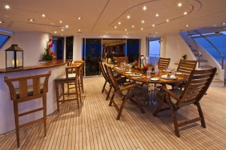 Yacht AMARULA SUN -   Aft Deck Al Fresco Dining and Bar