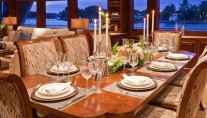 Yacht AMARULA SUN -   Formal Dining