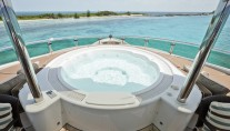 Yacht AMARULA SUN -   Spa Pool on the Sundeck
