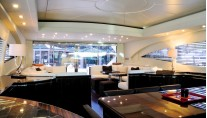 Yacht AMAZING -   Salon looking Aft