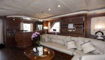 Yacht AVELLA -  Salon to Bar