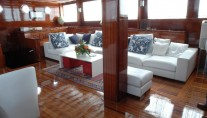 Yacht AZUL DE CORTES - Salon Seating
