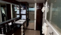 Yacht Algorythm - Master Bath 4