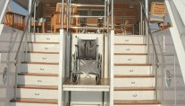 Yacht BELLA STELLA -  Aft Wheelchair access