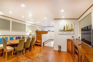 Yacht BELLAMARE - Salon and Dining