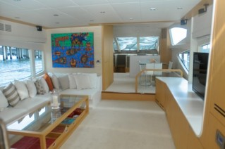 Yacht BIONDA -  Salon looking forward