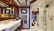 Yacht BLIND DATE 161 -  Master Bathroom