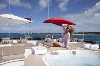 Yacht BLIND DATE 161 -  Sundeck Spa Pool