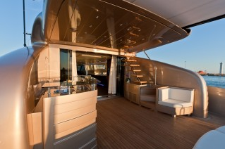 Yacht BLUE FORCE ONE -  Aft Deck