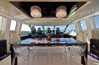 Yacht BLUE FORCE ONE -  Formal Dining