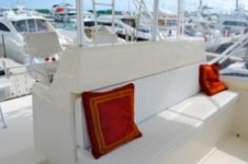 Yacht BLUES CURE -  Flybridge Seating