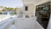 Yacht Bella Mare -  Upper Aft Deck grill