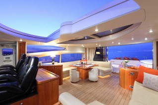 Yacht CHAMPNEYS -  Salon with open roof